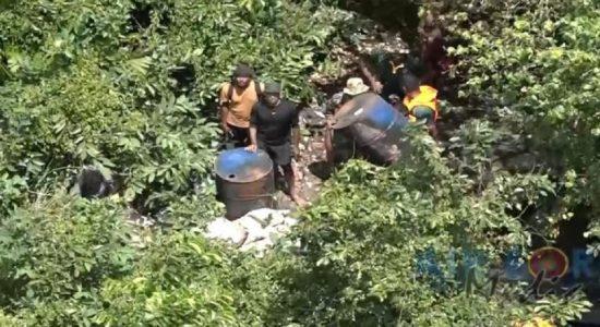 முத்துராஜவெல வனப்பகுதியில் விமானத் தேடுதல் வேட்டை: கசிப்பு தொழிற்சாலைகள் அழிப்பு