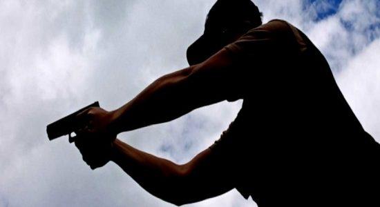 அம்பலாங்கொடையில் மோட்டார் சைக்கிளில் சென்றுகொண்டிருந்தவர் மீது துப்பாக்கிச்சூடு