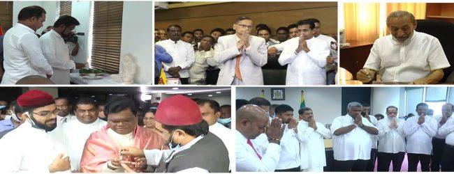 புதிய அமைச்சர்கள் பலர் இன்று கடமைகளை ஆரம்பித்தனர்