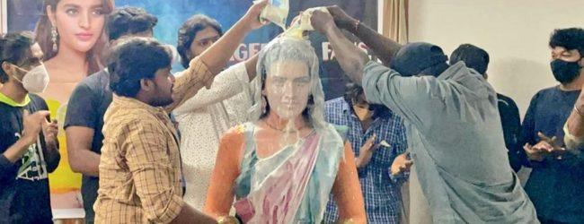 நிதி அகர்வாலுக்கு சிலை வடித்து பாலாபிஷேகம் செய்த ரசிகர்கள்