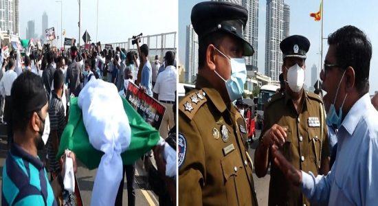 ஜனாதிபதி செயலகத்திற்கு முன்பாக இடம்பெற்ற ஆர்ப்பாட்டத்தில் அமைதியின்மை