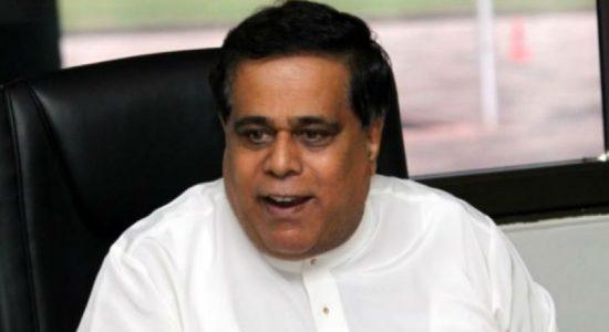 பெருந்தோட்டத் தொழிலாளர்களுக்கு 1,000 ரூபா சம்பளம் வழங்க தீர்மானம்