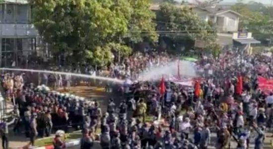 மியன்மார் இராணுவ ஒடுக்குமுறையில் 80 பேர் பலி