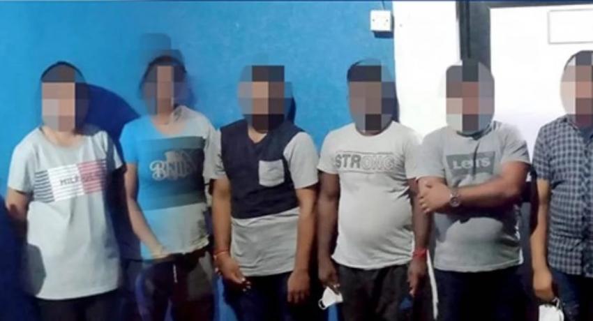 சட்டவிரோதமாக வௌிநாடு செல்ல முற்பட்ட 20 பேர் கைது
