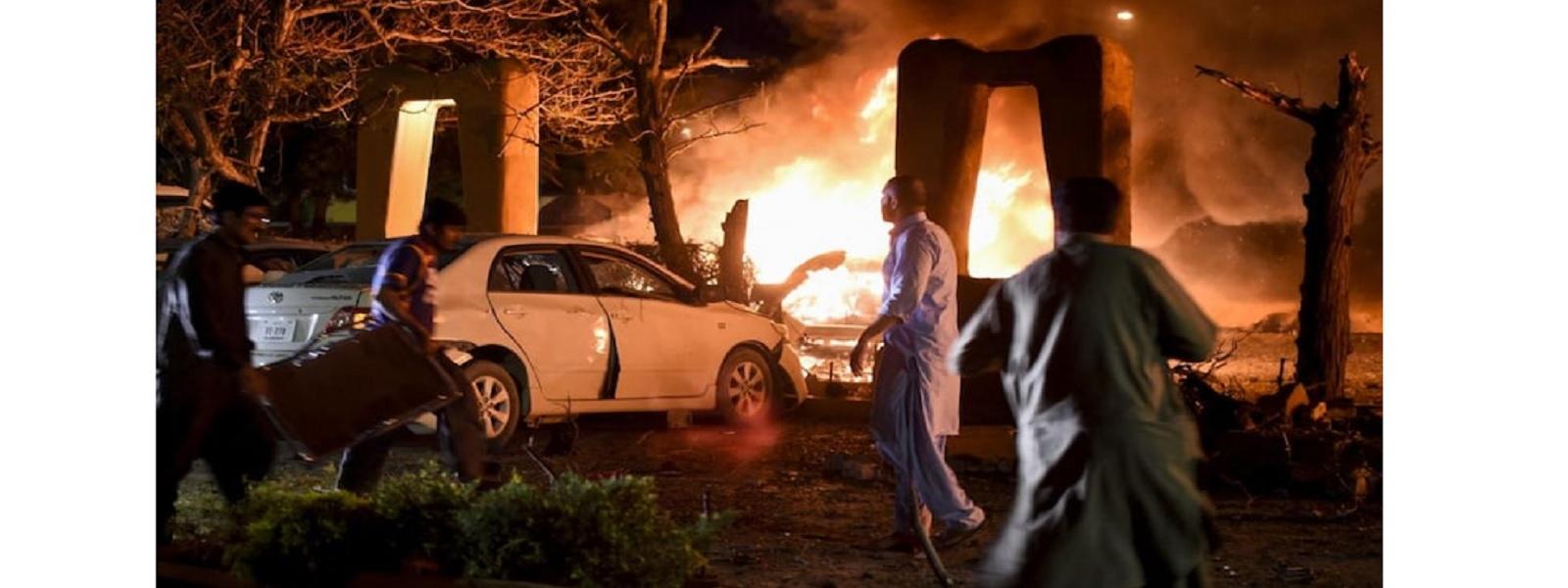 பாகிஸ்தானில் சீன தூதர் தங்கியிருந்த ஹோட்டல் அருகில் வெடிகுண்டு தாக்குதல்: 5 பேர் பலி