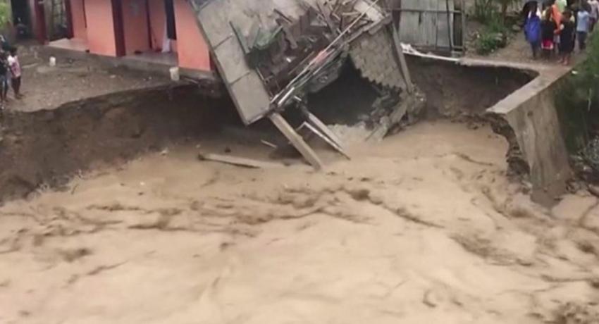 இந்தோனேஷியாவில் மண்சரிவு, வௌ்ளத்தில் சிக்கி 101 பேர் உயிரிழப்பு