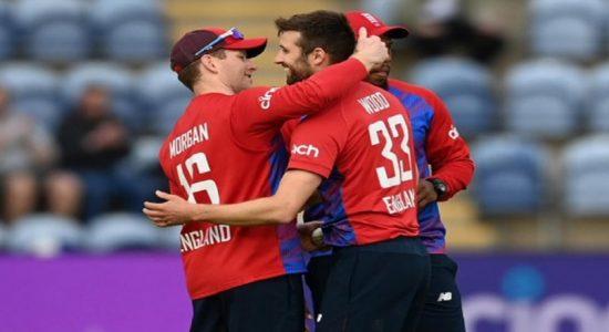 இலங்கையுடனான T20 தொடர்: இங்கிலாந்து 2 – 0 என்ற கணக்கில் வெற்றி