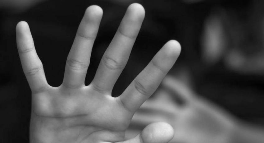 15 வயது சிறுமி துஷ்பிரயோகம்: அணிவகுப்பில் இருவர் அடையாளம் காணப்பட்டனர்