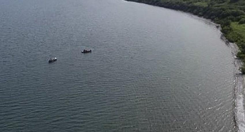 ரஷ்ய சுற்றுலா ஹெலிகொப்டர் குளத்திற்குள் வீழ்ந்து விபத்து